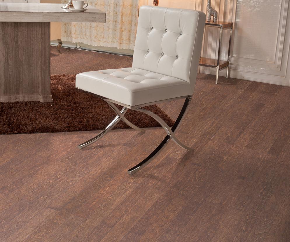实木地板pk瓷砖